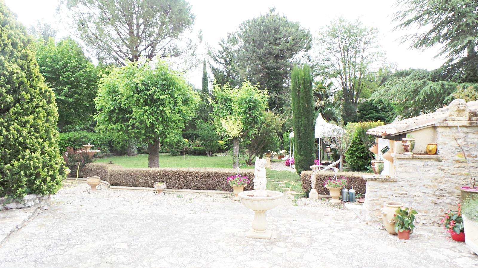 Annonce villa 5 pieces aix en provence vente for Le jardin des 5 sens aix en provence